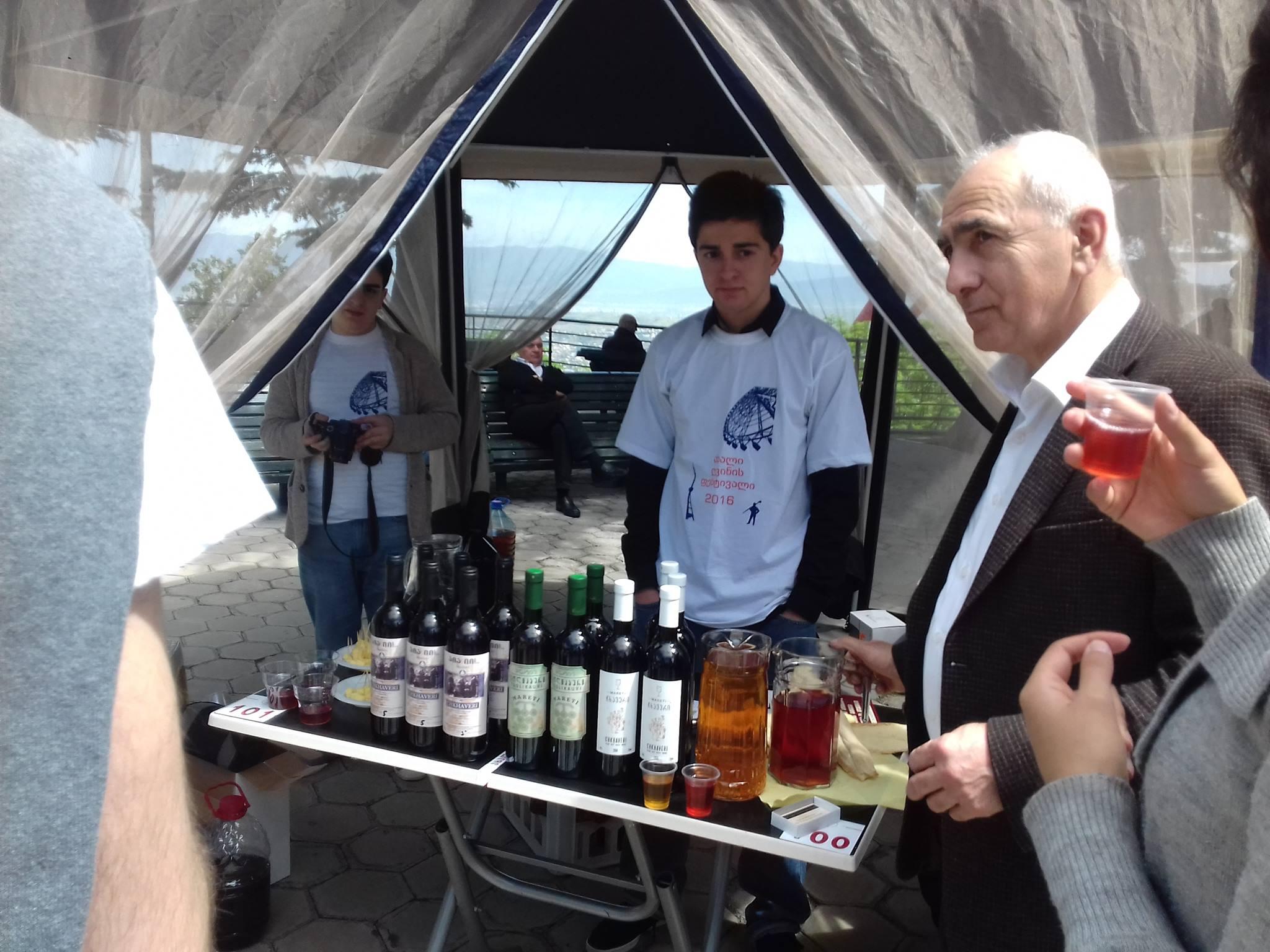 """Пресс-секретарь МДК """"Amicability"""" Ингрид Ким в рамках дипломатического визита в Республику Грузия провела беседу с известным виноделом, экспертом, предпринимателем Важа Давитадзе, которую мы предлагаем Вашему вниманию:"""